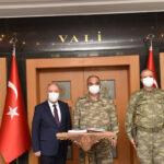 2. ORDU KOMUTANI KORGENERAL'DEN VALİ'YE ZİYARET!